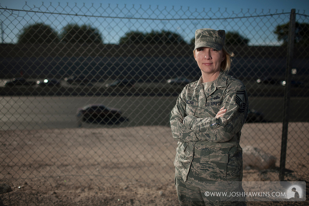 Senior Master Sergeant Tammy Killen stopped at a car accident where the passenger was seriously hurt.  Tammy's first aid skills stabilized the victim until help arrived.