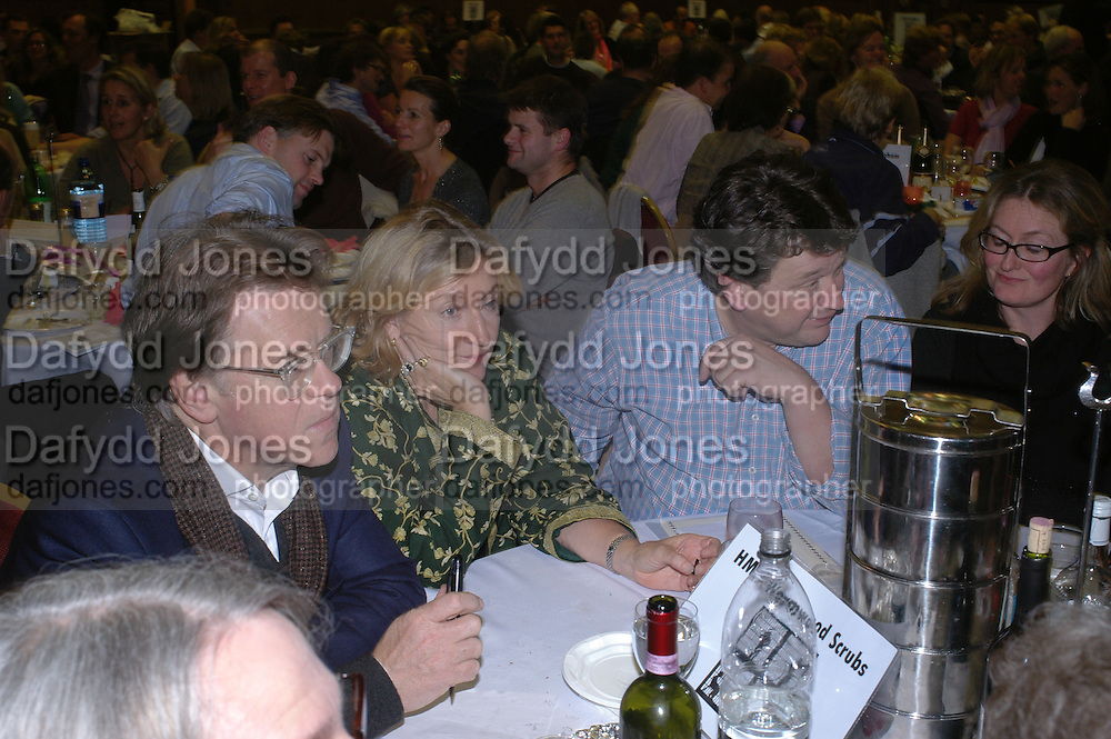 Jonathan Meades, Rosie Boycott and Rowley Leigh. Charity Quiz night for Rapt ( Rehabilitation of Addicted Prisoners Trust) Town Hall. Hammersmith. 14  November 2005 . ONE TIME USE ONLY - DO NOT ARCHIVE © Copyright Photograph by Dafydd Jones 66 Stockwell Park Rd. London SW9 0DA Tel 020 7733 0108 www.dafjones.com
