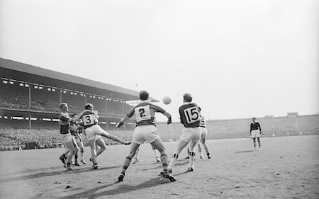 Players challenge for ball during the All Ireland Senior Football Final Galway v. Kerry in Croke Park on the 26th September 1965. Galway 0-12 Kerry 0-09.