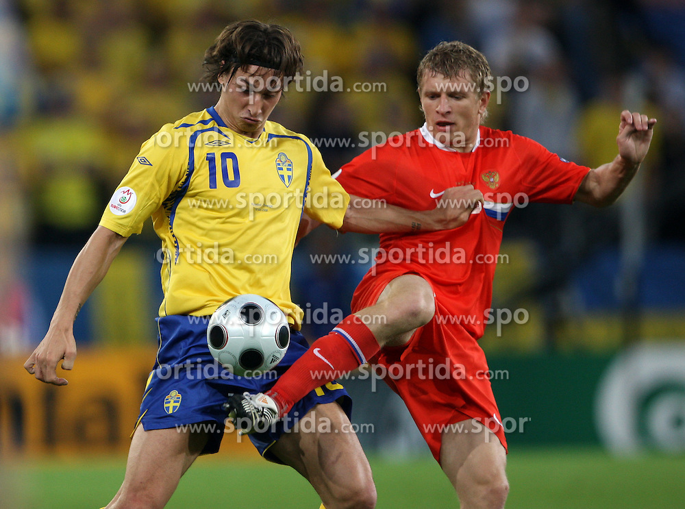 Zlatan Ibrahimovic of Sweden (10) vs Denis Kolodin of Russia (8) during the UEFA EURO 2008 Group D soccer match between Sweden and Russia at Stadion Tivoli NEU, on June 18,2008, in Innsbruck, Austria. Russia won 2:0. (Photo by Vid Ponikvar / Sportal Images)