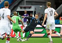 Fotball<br /> Tyskland v Algerie<br /> 30.06.2014<br /> VM 2014<br /> Foto: Witters/Digitalsport<br /> NORWAY ONLY<br /> <br /> v.l. Sofiane Feghouli, Torwart Manuel Neuer (Deutschland)<br /> Fussball, FIFA WM 2014 in Brasilien, Achtelfinale, Deutschland - Algerien