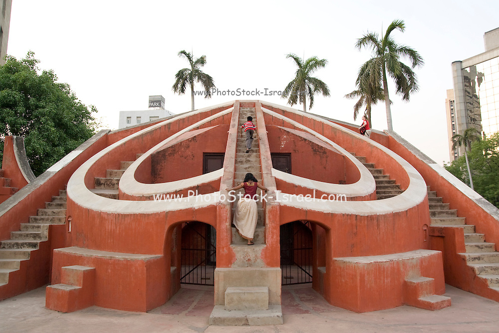 India, Delhi, The Jantar Mantar Observatory. Misra Yantra: Consists of 5 parts 1. Dakshinottara Bhitti - for calculating the meridian altitude of stars, planets, and the sun. 2. Niyat Chakra - measurement of declination of objects during the day from east to west. 3..Karka Rasivalaya - measurement of a longitude of a celestial object. 4..Samrat Yantra - measurement of local time. 5..Amplitude instrument - for measuring longitudes and latitudes of celestial objects..