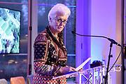 Officiële overdracht plaats van Paleis Soestdijk.<br /> <br /> Op de foto:   Sybilla Dekker, voorzitter Ronde Tafel