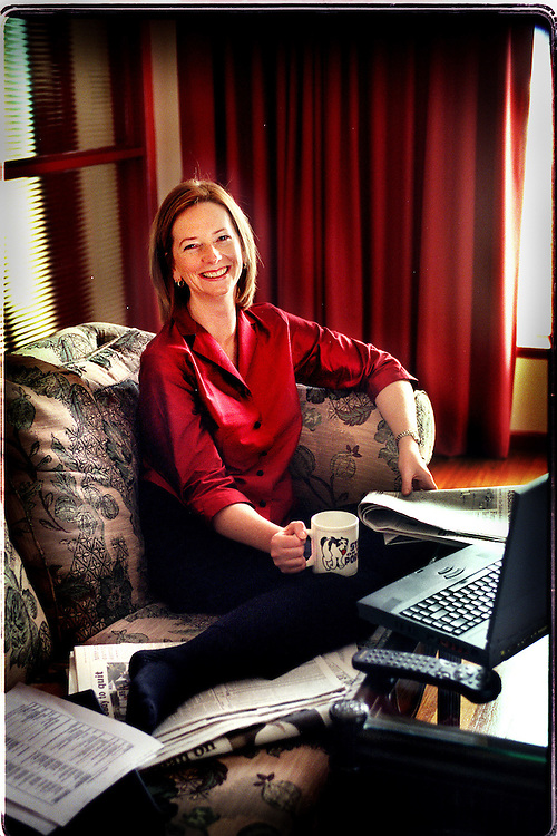 csz011125.001.001.jpg.New Shadow Minister for immigration Julia Gillard busy relaxing at home.Pic By Craig Sillitoe melbourne photographers, commercial photographers, industrial photographers, corporate photographer, architectural photographers, This photograph can be used for non commercial uses with attribution. Credit: Craig Sillitoe Photography / http://www.csillitoe.com<br />