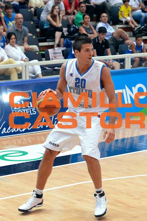 DESCRIZIONE : Trento Trentino Basket Cup Nazionale Italia-Georgia<br /> GIOCATORE :Andrea Cinciarini<br /> CATEGORIA : Tecnica<br /> SQUADRA : Italia<br /> EVENTO :  Trento Trentino Basket Cup<br /> GARA : Italia-Georgia<br /> DATA : 07/08/2013<br /> SPORT : Pallacanestro<br /> AUTORE : Agenzia Ciamillo-Castoria/GiulioCiamillo<br /> Galleria : FIP Nazionali 2013<br /> Fotonotizia : Trento Trentino Basket Cup Nazionale Italia-Georgia<br /> Predefinita :