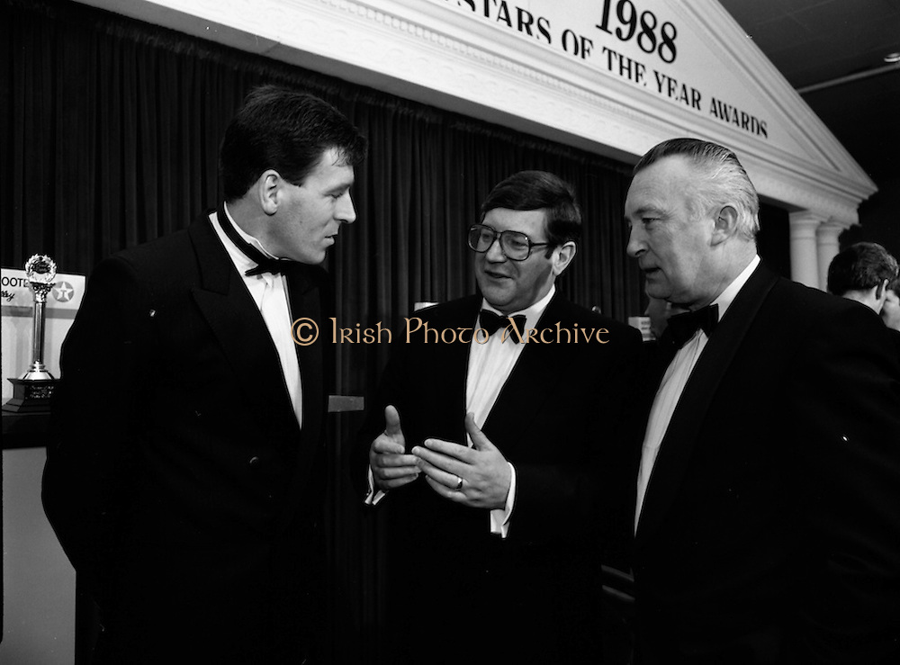 18/01/1989<br /> 01/18/1989<br /> 18 January 1989<br /> Texaco Sportstars of the Year Awards 1988 at the Burlington Hotel, Dublin. At the event were Packie Bonner (Goalkeeper Ireland and Celtic); Mr. Ray Burke T.D., Minister for Industry and Commerce and Mr. Vincent O'Brien, Managing Director of Texaco (Ireland) Ltd.