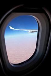 Vista aérea do deserto minutos antes de pousar em Abu Dhabi. FOTO: Jefferson Bernardes/Preview.com