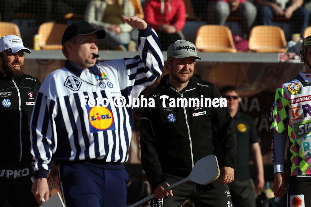16.5.2017, KSS Energia Areena, Kouvola.<br /> Superpesis 2017.<br /> Kouvolan Pallonly&ouml;j&auml;t - Kiteen Pallo-90.<br /> Kakkospelinjohtaja Saku Havukainen - Kitee