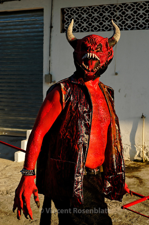 "This devil is part of the Agony clown gang, showing of at their headquarter. The ""Turma da Agonia"" is   a feard and respected gang of clowns of the district of Madureira, North Zone of Rio de Janeiro.."