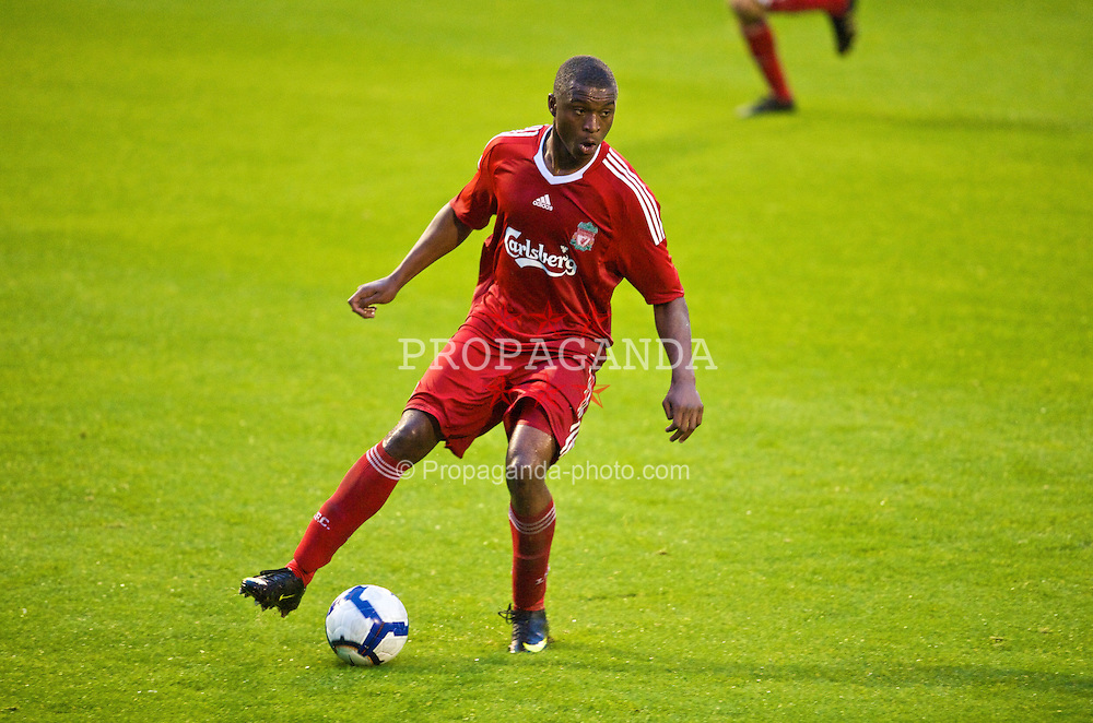 BIRKENHEAD, ENGLAND - Wednesday, September 2, 2009: Liverpool's David Amoo during the FA Premiership Reserves League (Northern Division) match against Bolton Wanderers at Prenton Park. (Photo by David Rawcliffe/Propaganda)