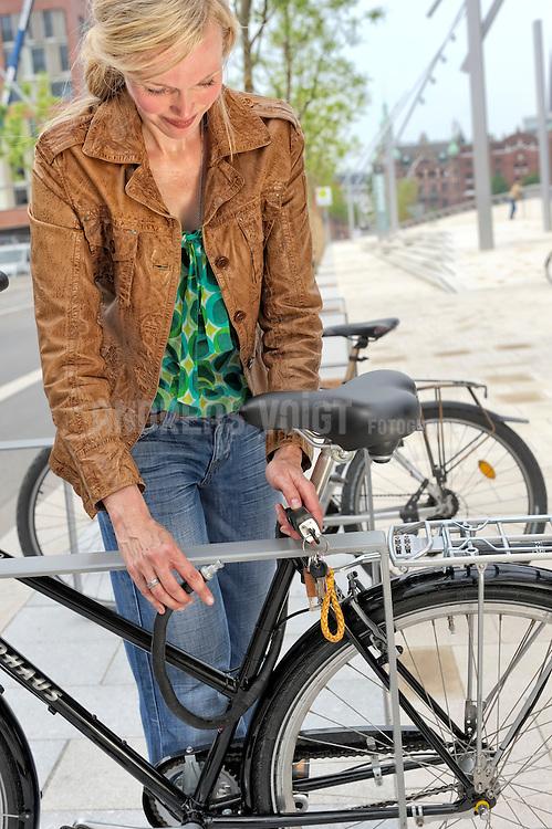 Lu beim Radfahren