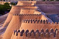 Ouzbekistan, Khiva, patrimoine mondial de l'UNESCO, mur d'enceinte de la ville // Uzbekistan, Khiva, Unesco World Heritage, wall of the city