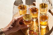 Apfelwein Verkostung in der Johanns-Stube, Treuschs im Schwanen, Reichelsheim, Odenwald, Hessen, Deutschland   Cider tasting in the Johanns-Stube, Treuschs in Schwanen, Reichelsheim, Odenwald, Hesse, Germany