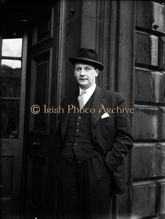 Jack Lynch arrives for opening of the 16th Dail at Leinster House. 20/03/1957