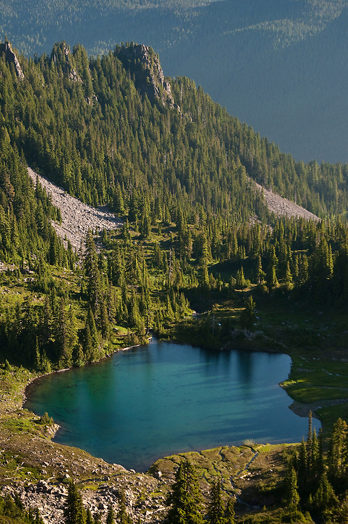 Round Lake in the Seven Lakes Basin, Olympic National Park, Washington.