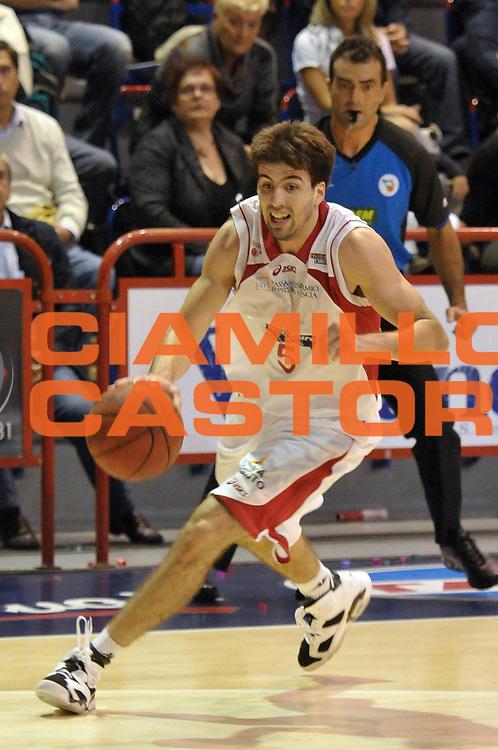 DESCRIZIONE : Pistoia Lega A2 2010-11 Pistoia Basket 2000 Immobiliare Spiga Rimini<br /> GIOCATORE : Filloy Ariel <br /> SQUADRA : Pistoia Basket 2000<br /> EVENTO : Campionato Lega A2 2010-2011<br /> GARA : Pistoia Basket 2000 Immobiliare Spiga Rimini<br /> DATA : 03/10/2010<br /> CATEGORIA : Palleggio<br /> SPORT : Pallacanestro<br /> AUTORE : Agenzia Ciamillo-Castoria/Stefano D'Errico<br /> Galleria : Lega Basket A2 2010-2011 <br /> Fotonotizia : Pistoia Lega A2 2010-2011 Pistoia Basket 2000 Immobiliare Spiga Rimini<br /> Predefinita :