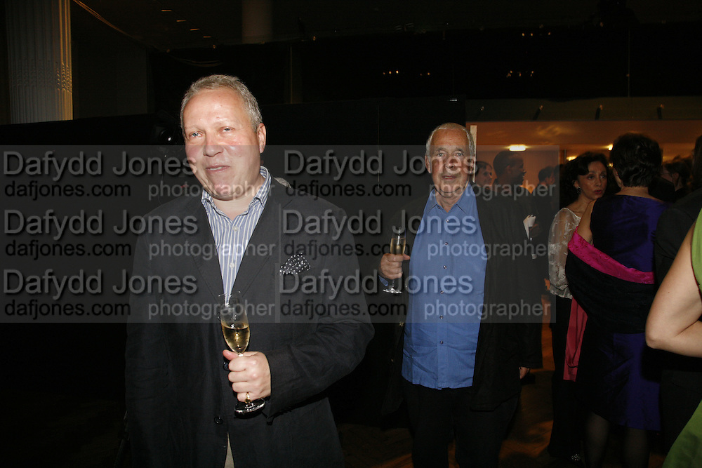 Anthony Peattie and Sir Howard Hodgkin, Sadler's Wells Celebrates. Benefit evening for Sadler's Wells hosted by Angela Bernstein and Alistair Spalding. The Royal Horticultural Halls. London. 25 September 2006. -DO NOT ARCHIVE-© Copyright Photograph by Dafydd Jones 66 Stockwell Park Rd. London SW9 0DA Tel 020 7733 0108 www.dafjones.com