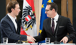 17.11.2017, Palais Epstein, Wien, AUT, Koalitionsverhandlungen von ÖVP und FPÖ anlässlich der Nationalratswahl 2017, im Bild v.l.n.r. ÖVP-Chef Sebastian Kurz und FPÖ-Chef Heinz-Christian Strache // f.l.t.r. Head of the Austrian Peoples Party (OeVP) Sebastian Kurz and Head of the Austrian Freedom Party (FPOe) Heinz-Christian Strache during coalition negotiations between the Austrian Peoples Party and Austrian Freedom Party due to general elections 2017 in Vienna, Austria on 2017/11/17, EXPA Pictures © 2017, PhotoCredit: EXPA/ Michael Gruber