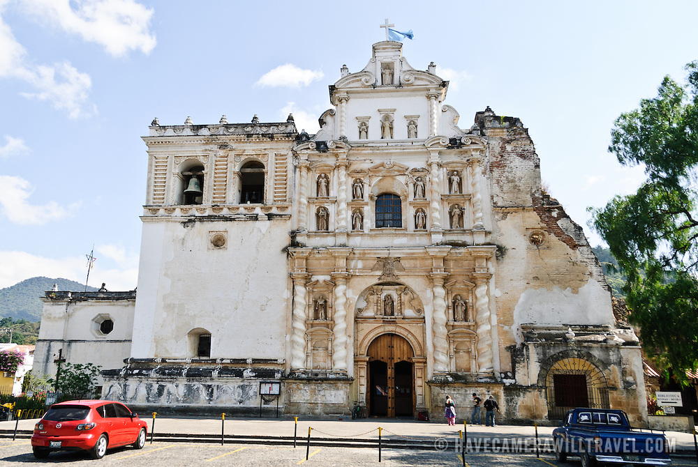 The front of Iglesia de San Francisco in Antigua, Guatemala, partially damaged by some of the many earthquakes the area has experienced in recent centuries.