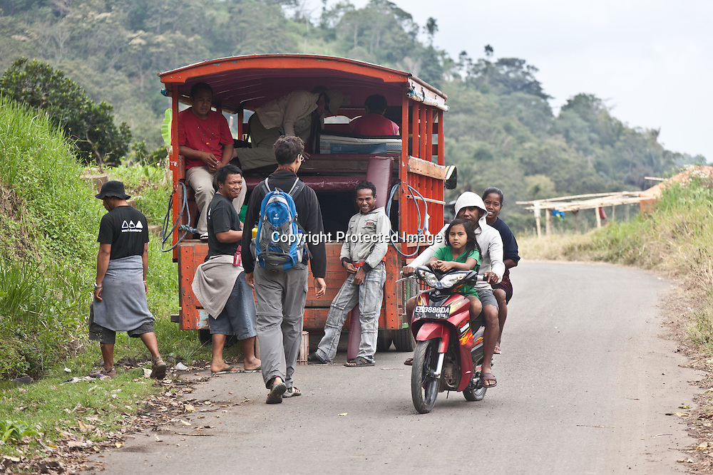 INDONESIA, Flores Archipelago, on the roads in a traditional truck bus