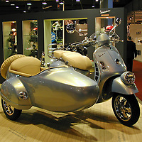 2009 Vespa GTV with Sidecar, Brussels Motors Show 2009