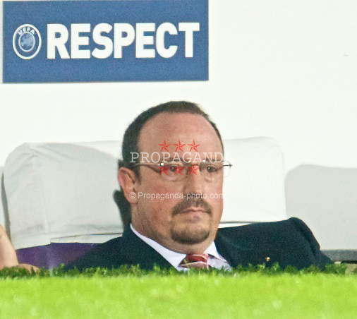 FLORENCE, ITALY - Tuesday, September 29, 2009: Liverpool's manager Rafael Benitez during the UEFA Champions League Group E match against Fiorentina at the Artemio Franchi. (Pic by David Rawcliffe/Propaganda)