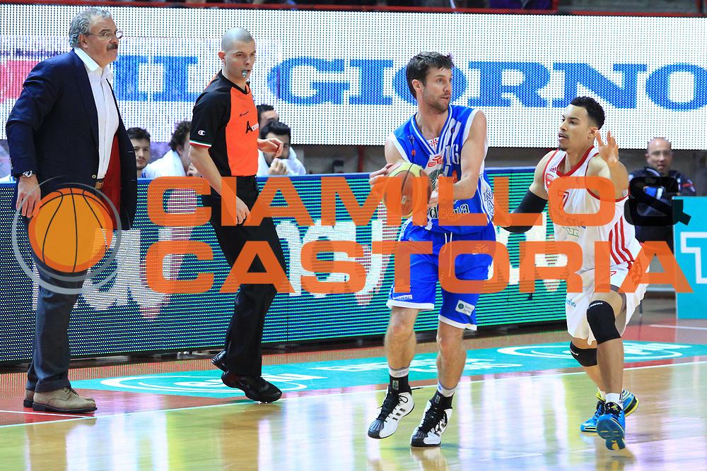 DESCRIZIONE : Varese Lega A 2013-14 Pallacanestro Varese Banco di Sardegna Sassari<br /> GIOCATORE : Diener Drake<br /> CATEGORIA : Palleggio<br /> SQUADRA : Banco Di Sardegna Sassari<br /> EVENTO : Campionato Lega A 2013-2014<br /> GARA :Pallacanestro Varese Banco di Sardegna Sassari<br /> DATA : 23/02/2014<br /> SPORT : Pallacanestro <br /> AUTORE : Agenzia Ciamillo-Castoria/I.Mancini<br /> Galleria : Lega Basket A 2013-2014  <br /> Fotonotizia : Milano Lega A 2013-2014 Pallacanestro Varese Banco di Sardegna Sassari<br /> Predefinita :