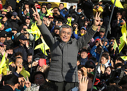 Moon Jae-in, presidential candidate of South Korea's Democratic United Party, gestures during the election campaign in Incheon, South Korea, December 17, 2012, Photo by Imago / i-Images...UK ONLY