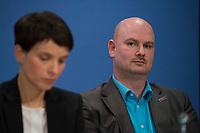 DEU, Deutschland, Germany, Berlin, 16.12.2016: Dr. Frauke Petry, Vorsitzende der Partei Alternative für Deutschland (AfD), und Mario Mieruch, stellvertretender Landessprecher der AfD Nordrhein-Westfalen, bei einer Pressekonferenz der AfD, auf der eine App für verunsicherte Bürger vorgestellt wird.