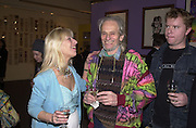 ( Countess) Drusilla Kraskaya and John 'Hoppy' Hopkins, Inspirational Times, rock Art from Beat to Punk via Psychedelia. Sotheby's. Olympia. 6 January 2002. © Copyright Photograph by Dafydd Jones 66 Stockwell Park Rd. London SW9 0DA Tel 020 7733 0108 www.dafjones.com