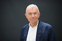 DEU, Deutschland, Germany, Berlin, 15.10.2019: Portrait von Prof. Dr. Klaus Hurrelmann, Professor of Public Health and Education an der Hertie School of Governance in Berlin.