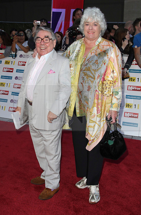 Ronnie Corbett; Anne Hart Pride of Britain Awards, Grosvenor House Hotel, London, UK. 03 October 2011. Contact: Rich@Piqtured.com +44(0)7941 079620 (Picture by Richard Goldschmidt)