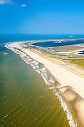 Nederland, Zuid-Holland, Rotterdam, 10-06-2015; Tweede Maasvlakte (MV2), Maasvlaktestrand met parkeerterreinen en duinovergangen die toegang geven tot het badstrand. Prinses Amaliahaven en Prinses Alexiahaven in de achtergrond.<br /> Second Maasvlakte, Maasvlakte Beach with parking and dune crossings that provide access to the bathing beach.<br /> luchtfoto (toeslag op standard tarieven);<br /> aerial photo (additional fee required);<br /> copyright foto/photo Siebe Swart