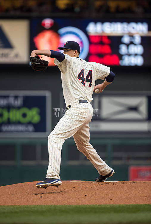 MINNEAPOLIS, MN- JUNE 10: Kyle Gibson #44 of the Minnesota Twins pitches against the Kansas City Royals on June 10, 2015 at Target Field in Minneapolis, Minnesota. The Royals defeated the Twins 7-2. (Photo by Brace Hemmelgarn) *** Local Caption *** Kyle Gibson