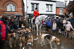 © Licensed to London News Pictures. 01/01/2017. Atherstone, North Warwickshire, UK. Atherstone Hunt meeting in the Market Square for their New Years Day meet. Photo credit: Dave Warren/LNP