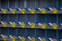 21 NOV 2005, BERLIN/GERMANY:<br /> Stimmkarten der Abgeordneten des Deutschen Bundestages - weiss fuer Enthaltung, rot fuer Nein und blau fuer Ja - in den dafuer vorgesehenen Faechern in der Lobby des Deutschen Bundestages<br /> IMAGE: 20051121-01-003<br /> KEYWORDS: Fächer, Abstimmung, Karte, Stimmkarte