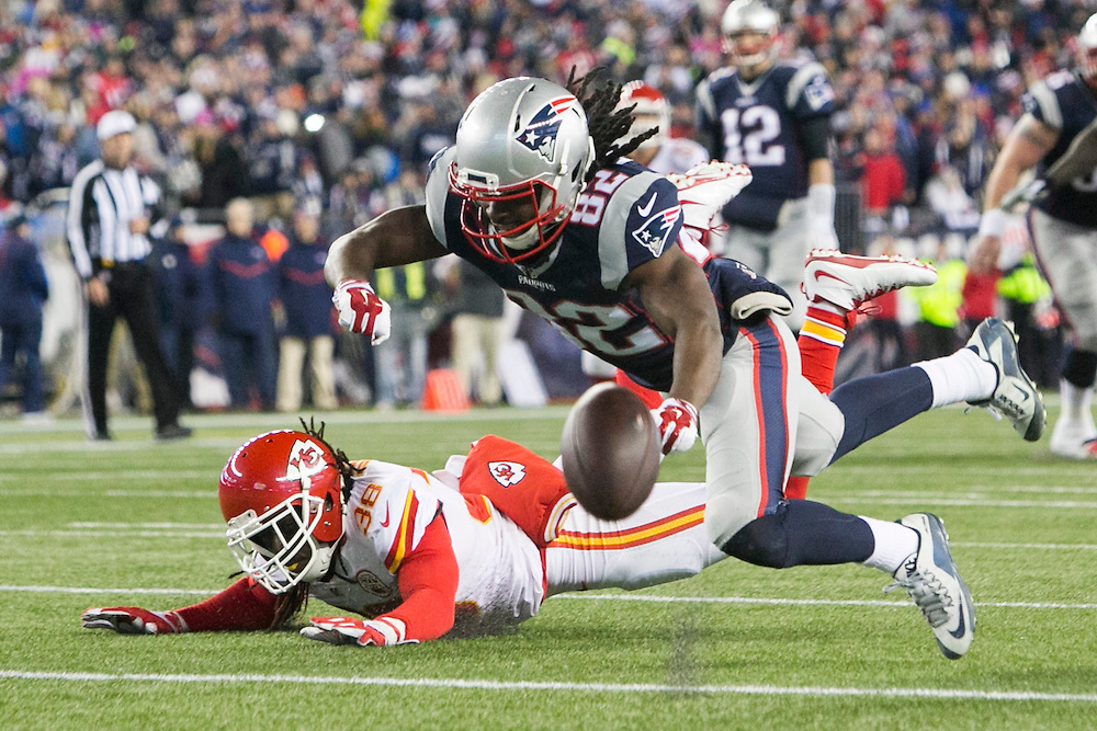 Kansas City Chiefs defensive back Ron Parker (38) breaks up a pass intended for New England Patriots wide receiver Keshawn Martin (82) in the fourth quarter of the AFC Divisional Playoff game at Gillette Stadium in Foxborough, Massachusetts on January 16, 2016. The Patriots defeated the Chiefs, 27-20.    Photo by Kelvin Ma/ UPI