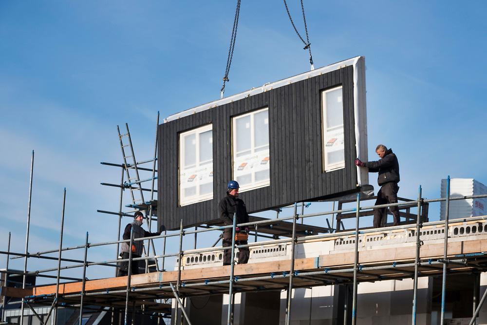 Nederland, Diemen, 20180214<br /> Bouwactiviteiten in Diemen, naast Amsterdam.  <br /> Foto: (c)Michiel Wijnbergh
