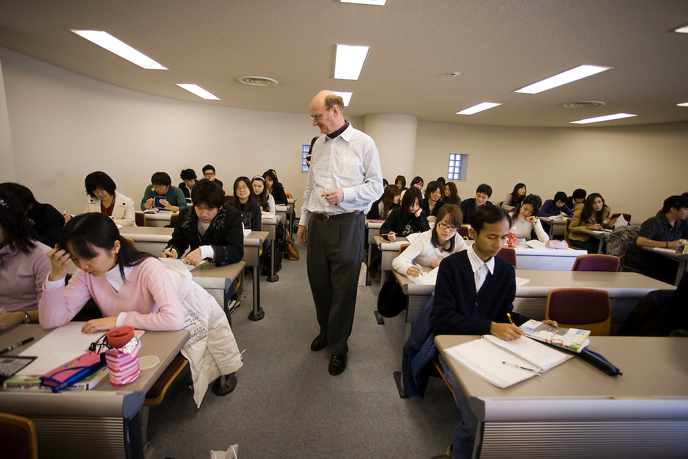 Waseda  University,  class with Dean Paul Snowden,  School of International Liberal Studies(SILS ).  Most of the  population of foreign students come from  other Asian countries led  in numbers by  Korea and China.