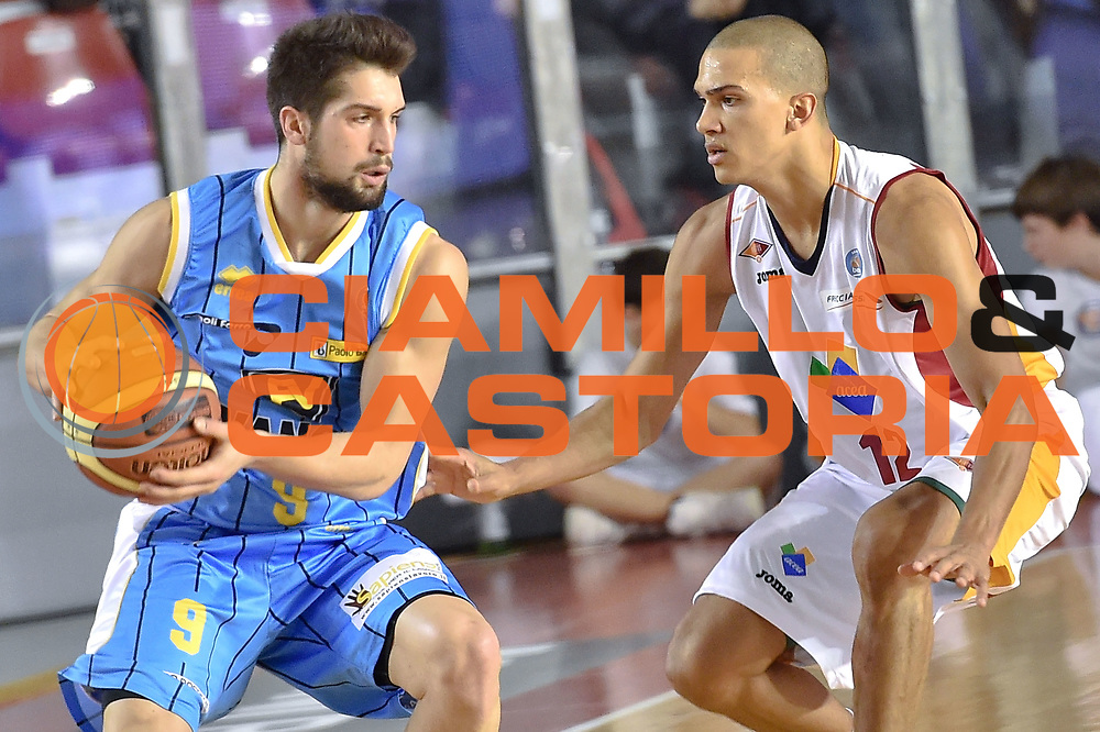 DESCRIZIONE : Roma Lega A 2014-15 Acea Roma vs Vanoli Basket Cremona<br /> GIOCATORE : Mian Fabio<br /> CATEGORIA : Palleggio<br /> SQUADRA :Vagoli Basket Cremona<br /> EVENTO : Campionato Lega A 2014-2015 GARA : Acea Roma vs Vanoli Basket Cremona<br /> DATA : 07/12/2014 <br /> SPORT : Pallacanestro <br /> AUTORE : Agenzia Ciamillo-Castoria/GiulioCiamillo <br /> Galleria : Lega Basket A 2014-2015 <br /> Fotonotizia : Acea Roma Lega A 2014-15 Acea Roma vs Vanoli Basket Cremona<br /> Predefinita :