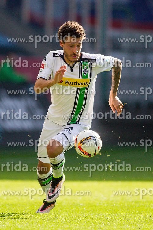 03.04.2016, Stadion im Borussia Park, Moenchengladbach, GER, 1. FBL, Borussia Moenchengladbach vs Hertha BSC, 28. Runde, im Bild Fabian Johnson (Borussia Moenchengladbach #19) // during the German Bundesliga 28th round match between Borussia Moenchengladbach and Hertha BSC at the Stadion im Borussia Park in Moenchengladbach, Germany on 2016/04/03. EXPA Pictures &copy; 2016, PhotoCredit: EXPA/ Eibner-Pressefoto/ Schueler<br /> <br /> *****ATTENTION - OUT of GER*****