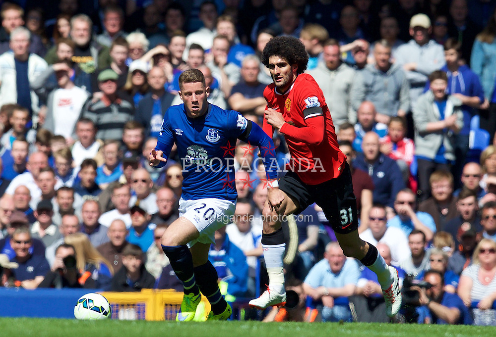 LIVERPOOL, ENGLAND - Sunday, April 26, 2015: Everton's Ross Barkley in action against Manchester United's Marouane Fellaini during the Premier League match at Goodison Park. (Pic by David Rawcliffe/Propaganda)