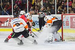 05.04.2019, Stadthalle, Klagenfurt, AUT, EBEL, EC KAC vs Moser Medical Graz 99ers, Halbfinale, 4. Spiel, im Bild Matt Garbowsky (Moser Medical Graz 99ers, #9), Thomas HUNDERTPFUND (EC KAC, #27), Oliver Setzinger (Moser Medical Graz 99ers, #91), Robin Rahm (Moser Medical Graz 99ers, #35) // during the Erste Bank Icehockey 4th semifinal match between EC KAC and Moser Medical Graz 99ers at the Stadthalle in Klagenfurt, Austria on 2019/04/05. EXPA Pictures © 2019, PhotoCredit: EXPA/ Gert Steinthaler