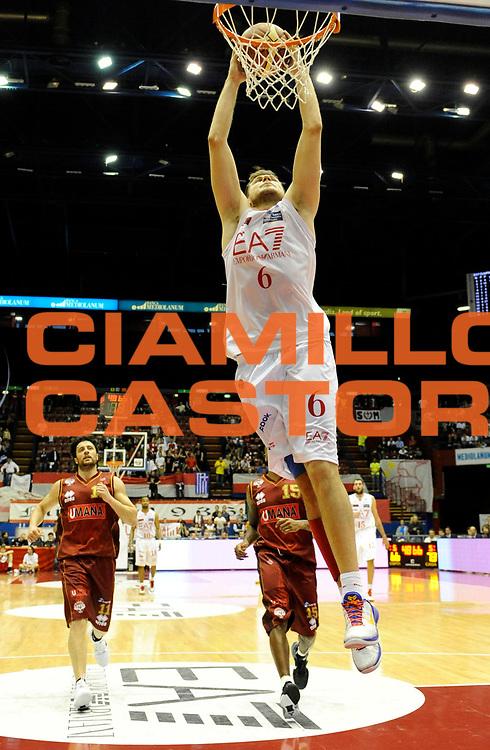 DESCRIZIONE : Milano Lega A 2011-12 EA7 Olimpia Milano Vs Umana Reyer Venezia<br /> GIOCATORE : Mancinelli Stefano<br /> CATEGORIA : Schiacciata<br /> SQUADRA : EA7 Olimpia Milano <br /> EVENTO : Campionato Lega A 2011-2012 <br /> GARA : EA7 Olimpia Milano Vs Umana Reyer Venezia <br /> DATA : 01/05/2012<br /> SPORT : Pallacanestro <br /> AUTORE : Agenzia Ciamillo-Castoria/A.Giberti<br /> Galleria : Lega Basket A 2011-2012 <br /> Fotonotizia : Milano Lega A 2011-12 EA7 Olimpia Milano Vs Umana Reyer Venezia <br /> Predefinita :