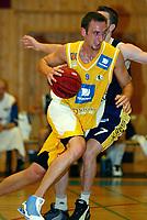 Basket - Blno. Asker Aliens mot svenske M7 Borås i Vollenhallen 13. september 2002. Marcus Löfstedt, Asker Aliens. <br /> <br /> Foto: Andreas Fadum, Digitalsport
