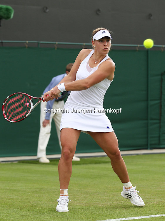 Wimbledon Championships 2013, AELTC,London,<br /> ITF Grand Slam Tennis Tournament,<br /> Angelique Kerber (GER),Aktion,Einzelbild,<br /> Ganzkoerper,Hochformat,