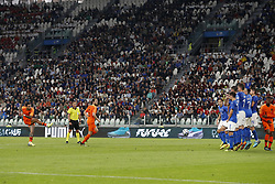 (L-R) Memphis Depay of Holland, Daley Blind of Holland, Federico Chiesa of Italy, Giacomo Bonaventura of Italy, Bryan Cristante of Italy, Daniele Rugani of Italy, Simone Zaza of Italy, Jorginho of Italy, Georginio Wijnaldum of Holland during the International friendly match between Italy and The Netherlands at Allianz Stadium on June 04, 2018 in Turin, Italy