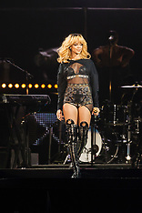 Rihanna in concert, Cardiff