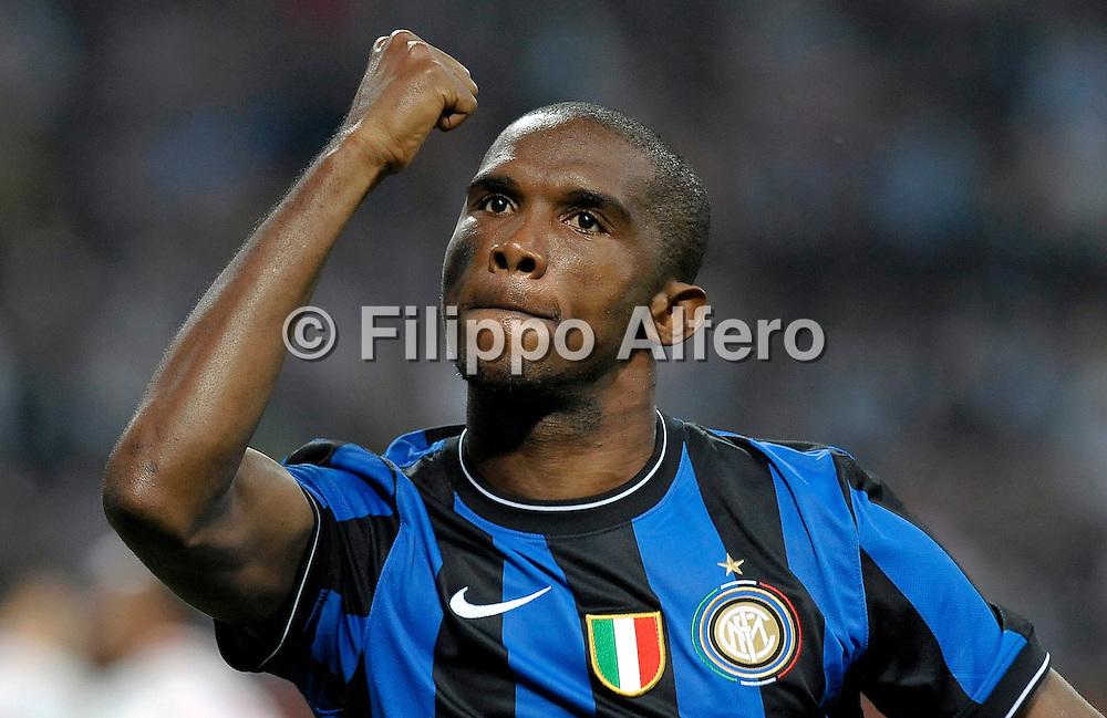 &copy; Filippo Alfero<br /> Inter - Napoli - Serie A 2009 / 2010<br /> Milano - 23/09/2009<br /> sport calcio<br /> Nella foto: esultanza Samuel Eto'o dopo gol