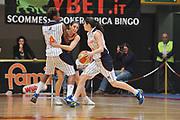 DESCRIZIONE : Schio Vicenza Lega A1 Femminile 2011-12 Coppa Italia Semifinale Famila Wuber Schio Liomatic Umbertide<br /> GIOCATORE : gaia gorini<br /> CATEGORIA : palleggio blocco<br /> SQUADRA :Famila Wuber Schio Liomatic Umbertide<br /> EVENTO : Campionato Lega A1 Femminile 2011-2012 <br /> GARA : Famila Wuber Schio Liomatic Umbertide<br /> DATA : 17/03/2012 <br /> SPORT : Pallacanestro <br /> AUTORE : Agenzia Ciamillo-Castoria/M.Gregolin<br /> Galleria : Lega Basket Femminile 2011-2012 <br /> Fotonotizia : Schio Vicenza Lega A1 Femminile 2011-12 Coppa Italia Semifinale Famila Wuber Schio Liomatic Umbertide<br /> Predefinita :